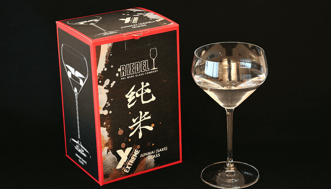 "Riedel's ""junmai"" sake specific wine glass"
