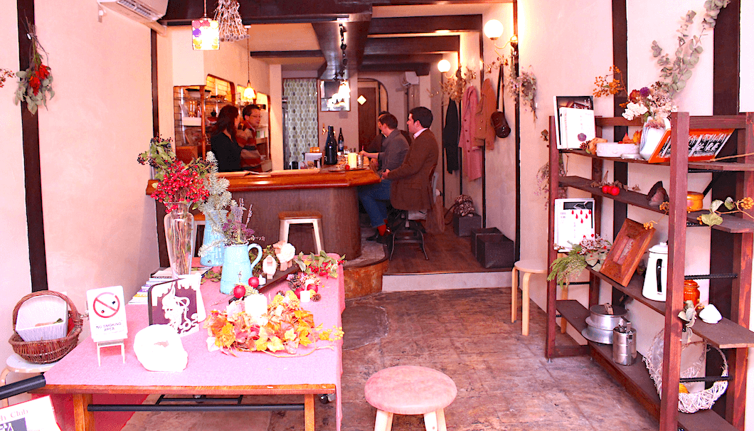 The cozy atmosphere and traditional trinkets of Sake Cafe Fu