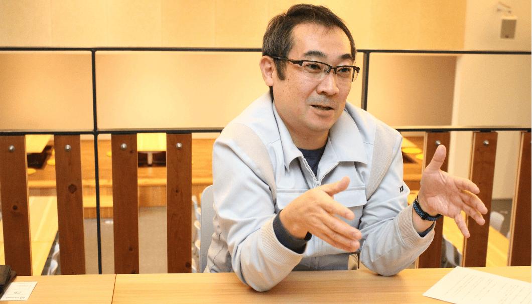Interview scene of KIKUSUI research and development engineer Shunsuke Miyao
