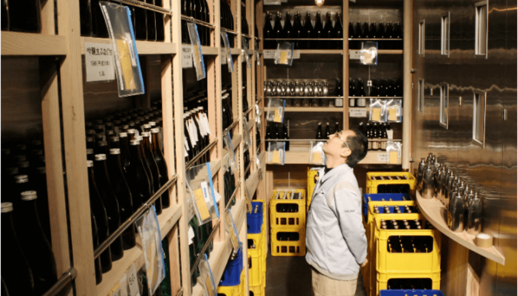 Storage of sake