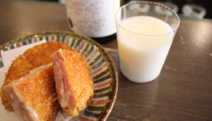 Blue-cheese-ham-cutlet and [tono-no-doburoku]